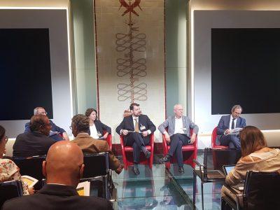 """l'autore alla Borsa Italiana, interviene all'evento """"vero o falso?"""" insieme a Edoardo de Biasi, Francesca Pasinelli, Guido di Fraia e Umberto Ambrosoli"""